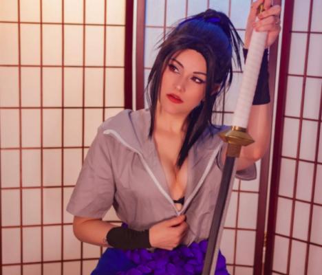 Sexy Sasuke Uchiha Cosplay