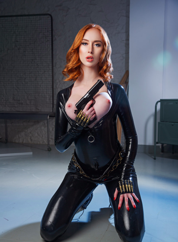 Black Widow Cosplay - Lenina Crowne