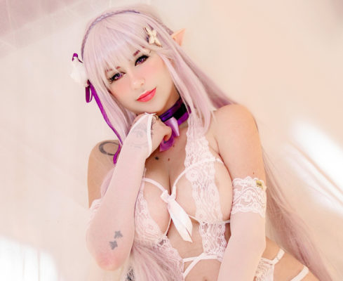 Emilia Cosplay Wallpaper