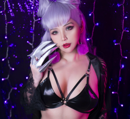 Lewd and Nude KDA Evelynn Cosplay